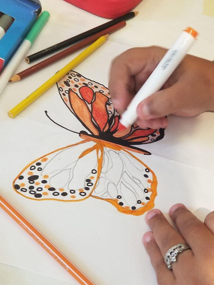 Participante de Taller Pintando mariposa